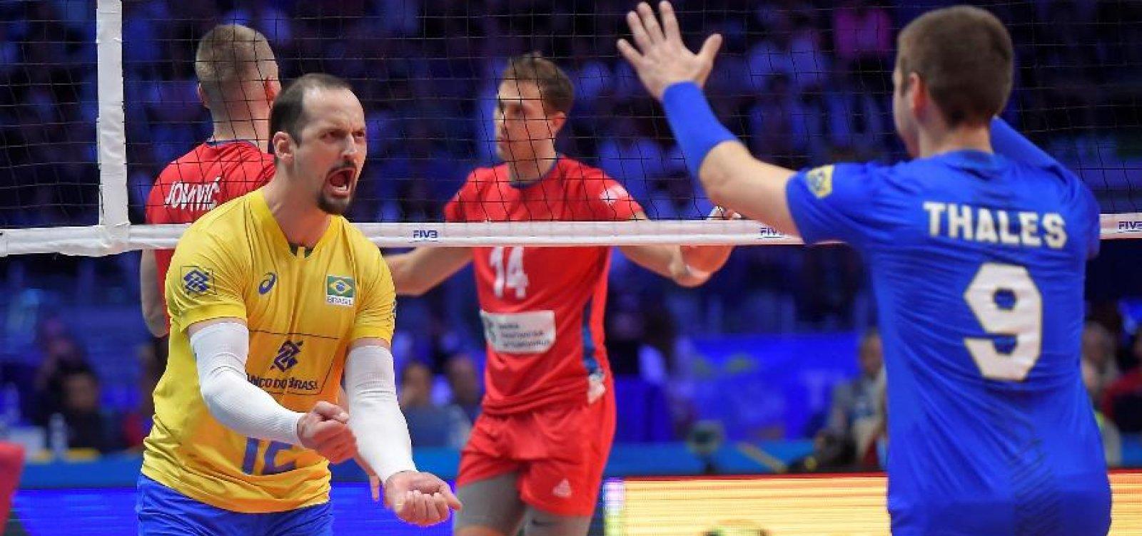 Brasil vence Sérvia com folga e decide Mundial de vôlei pela quinta vez consecutiva