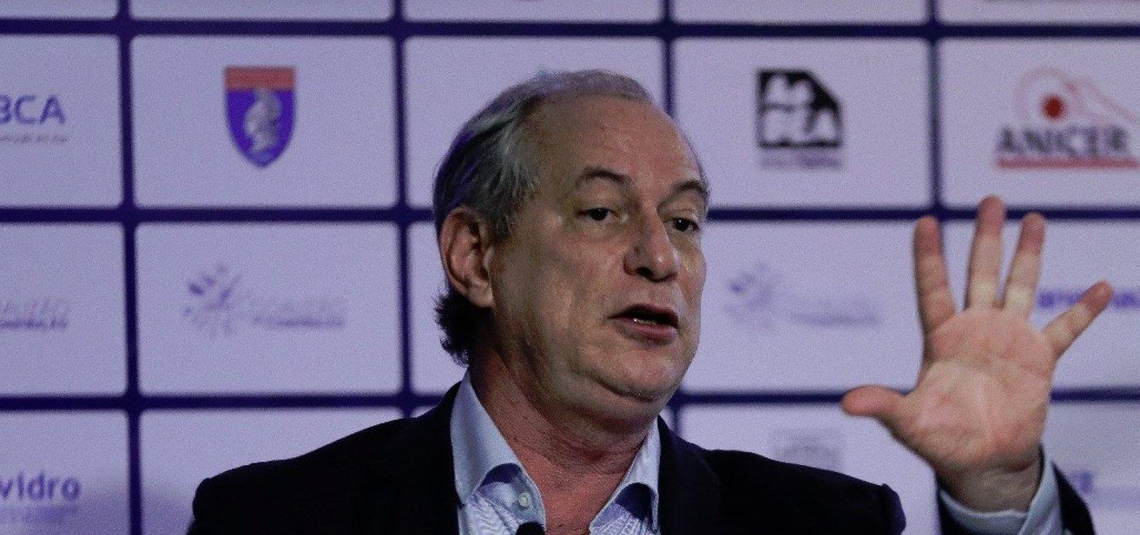Balcão de negócios de partidos 'enterrou FHC e Lula', aponta Ciro Gomes