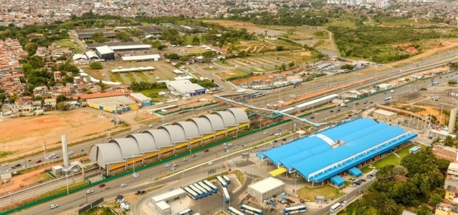 Rodoviários fazem protesto e fecham Estação Mussurunga