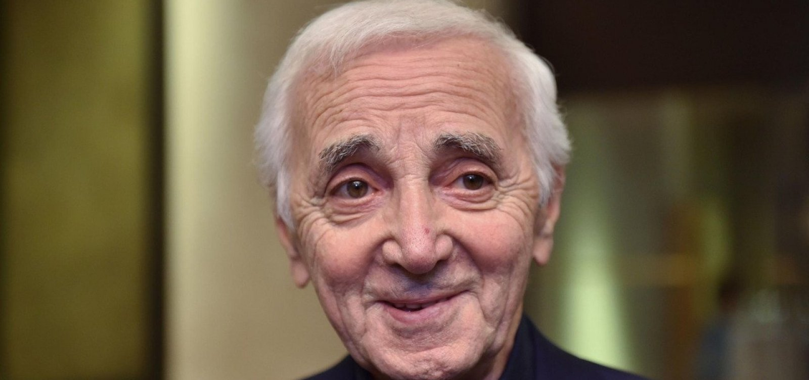 Aos 94 anos, morre cantor francês Charles Aznavour