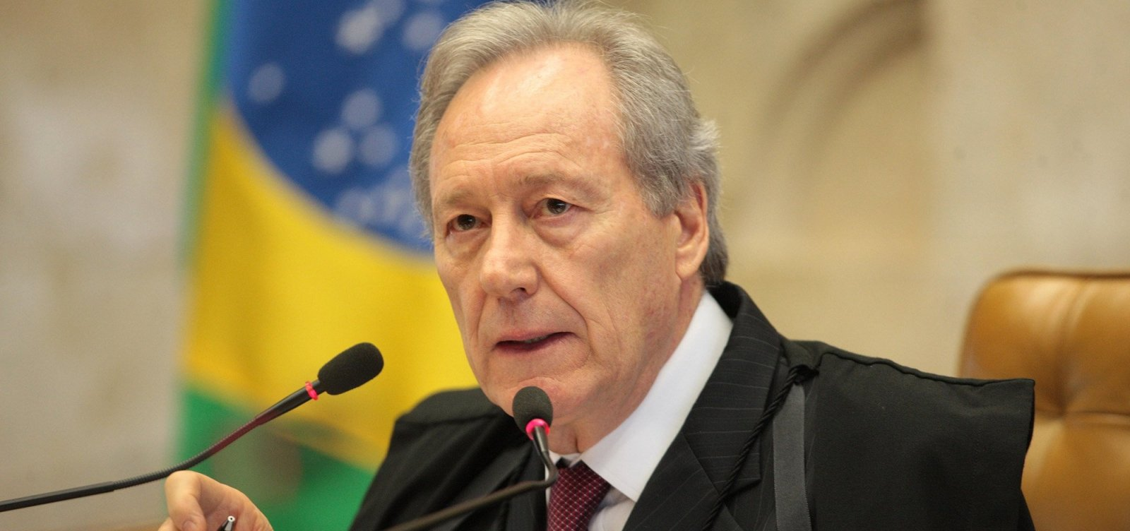 Lewandowski autoriza imediata entrevista de Lula à Folha