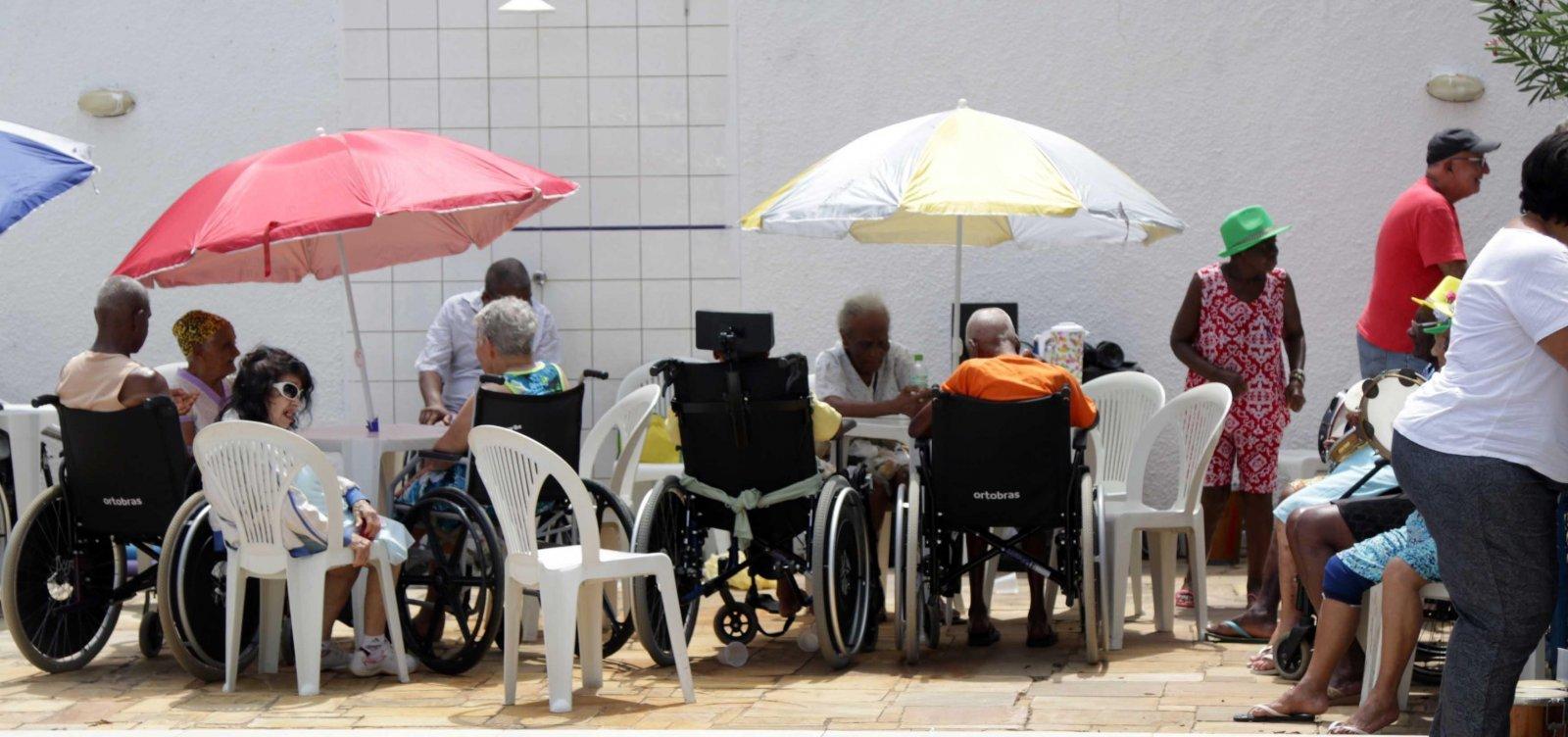 Quase 70% dos idosos brasileiros sofrem de doença crônica, diz Ministério da Saúde