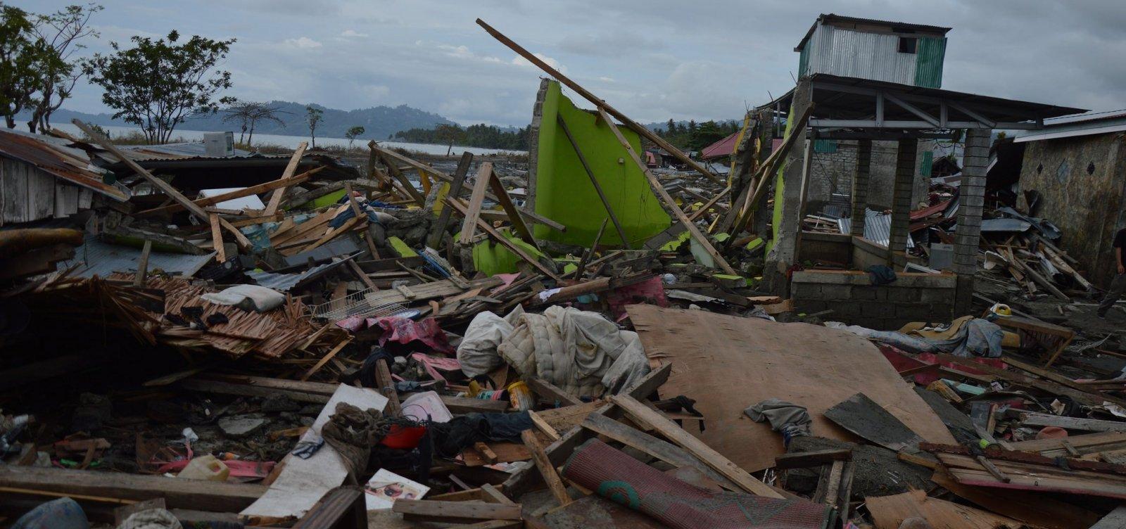 Indonésia tem mais de 1,2 mil mortos após terremoto e tsunami