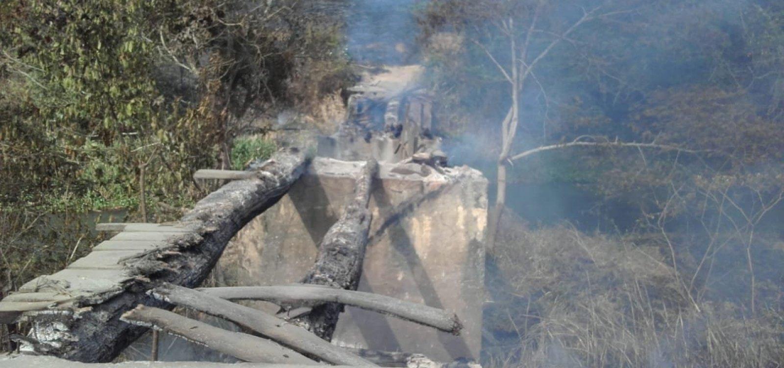 Incêndio destrói ponte e deixa 40 famílias 'isoladas' em Caatiba