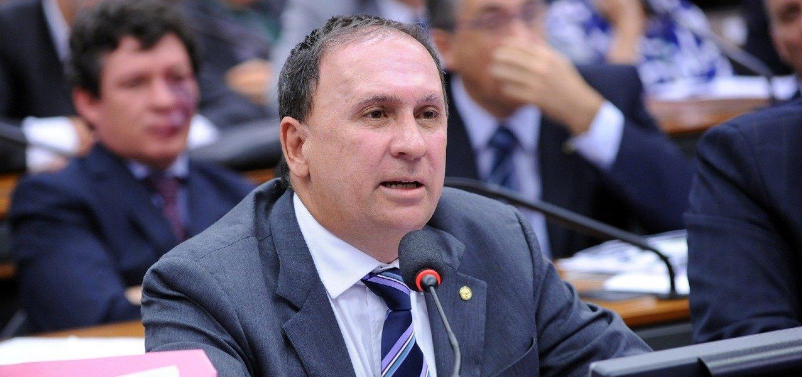 Gualberto diz que PSDB mantém apoio, mas chama Zé Ronaldo de 'oportunista'