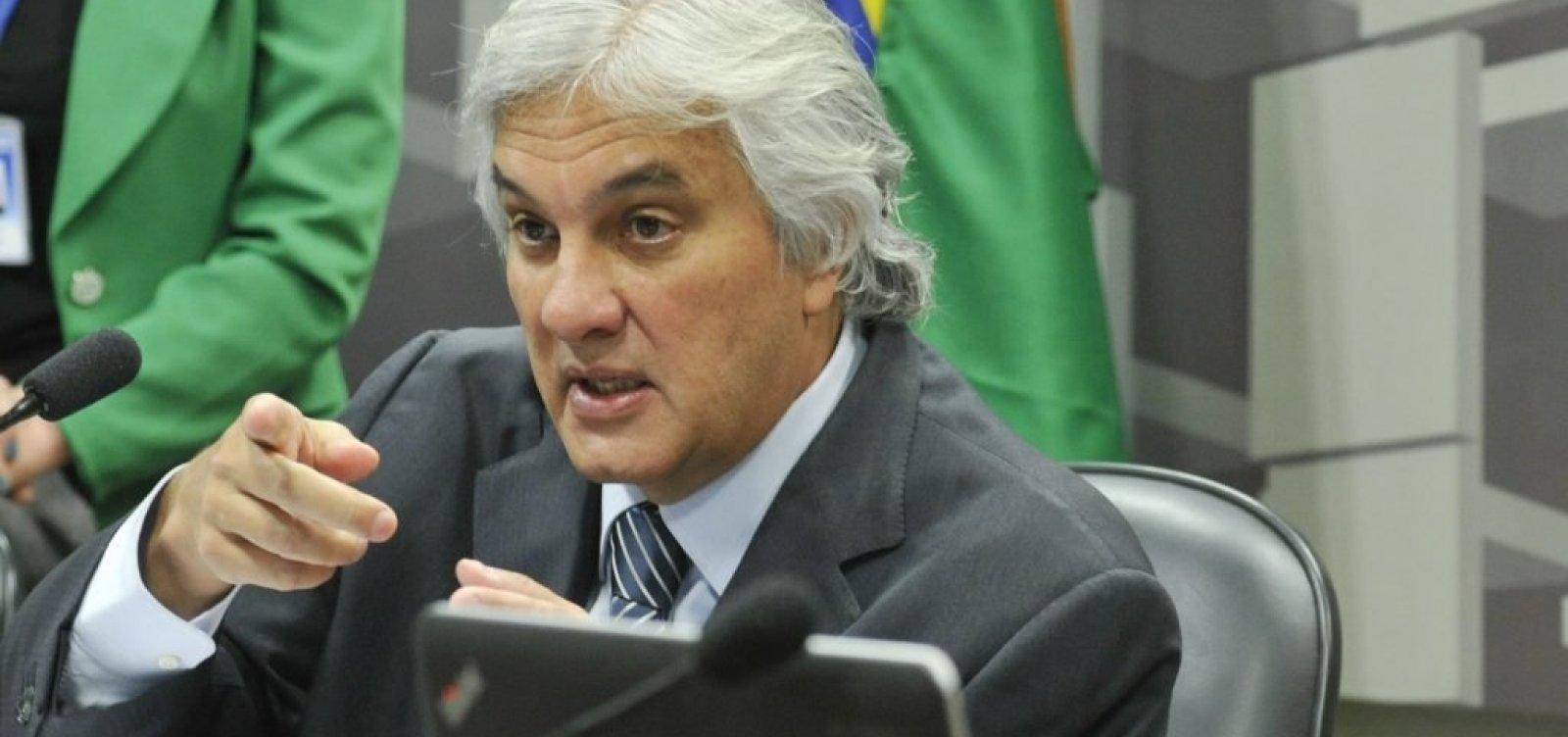 PF prende professor por compra de votos para Delcídio Amaral