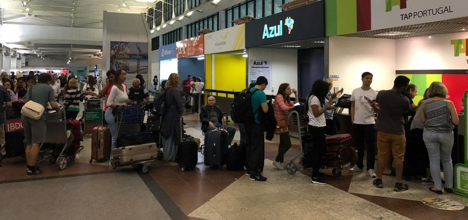 Problema em avião da TAP causa transtorno a passageiros em Salvador