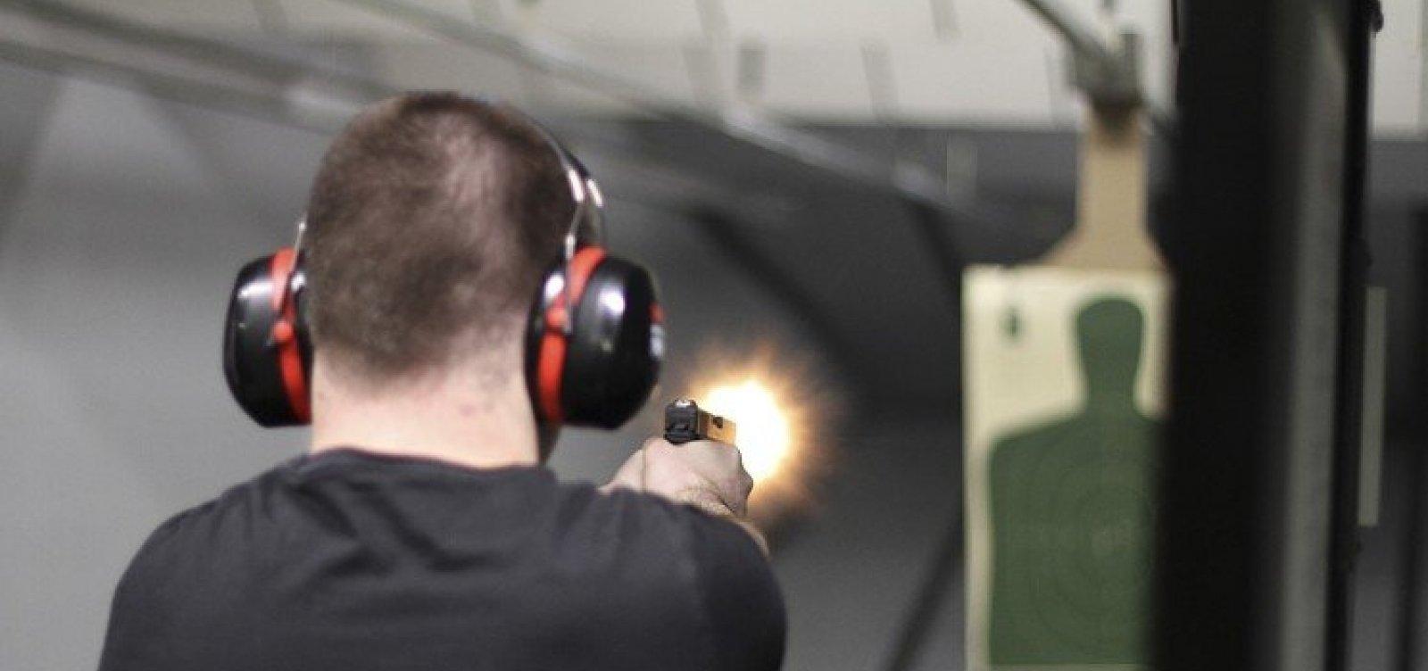 Crescimento de Bolsonaro leva ações de fabricantes de armas dobrarem, diz jornal