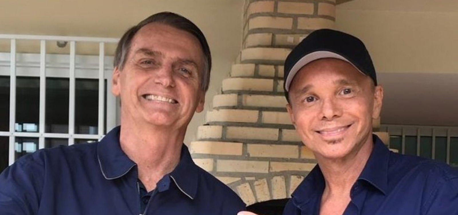 Bissexual assumido, Netinho visita Bolsonaro: 'Estou com você de graça'