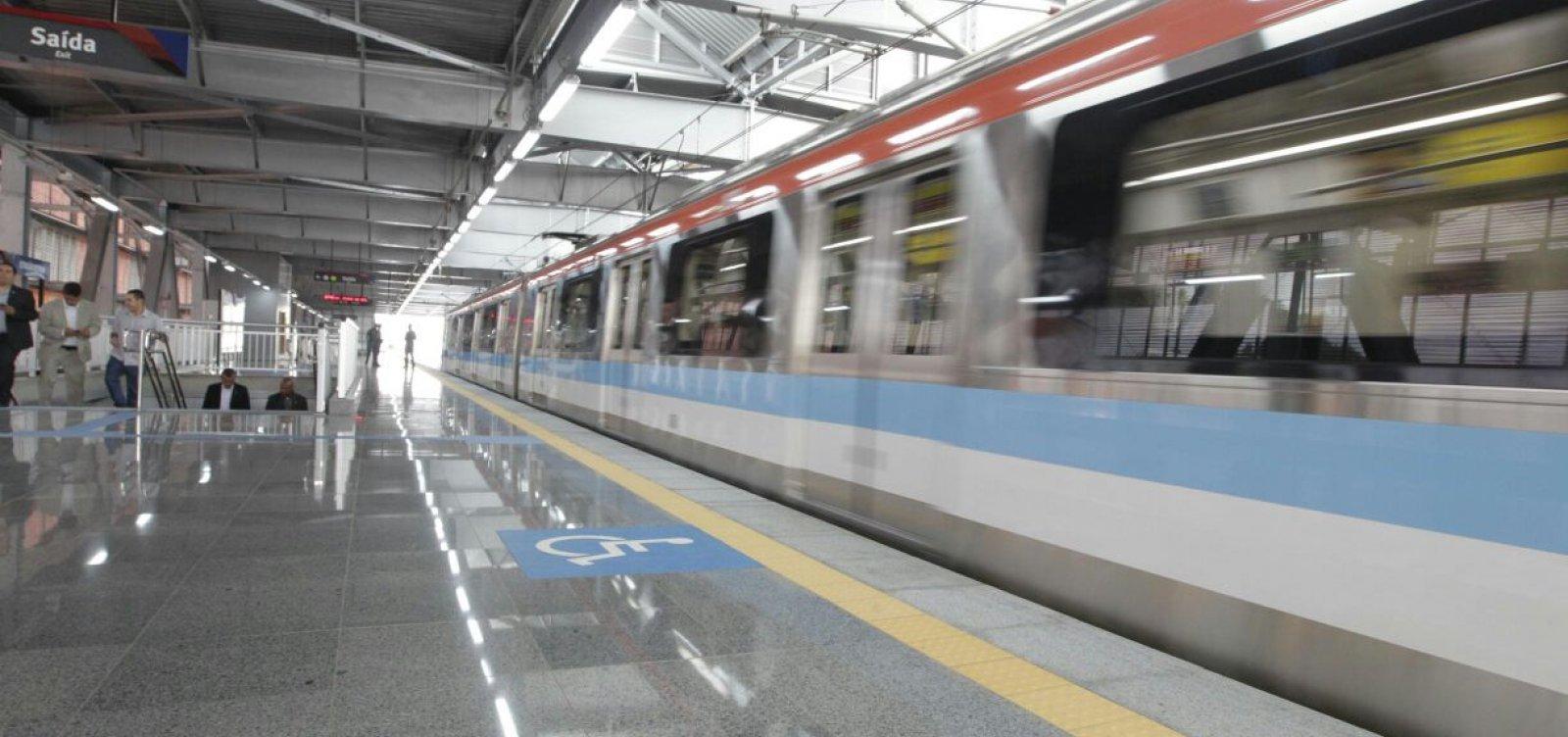 Trem de metrô de Salvador quebra durante viagem