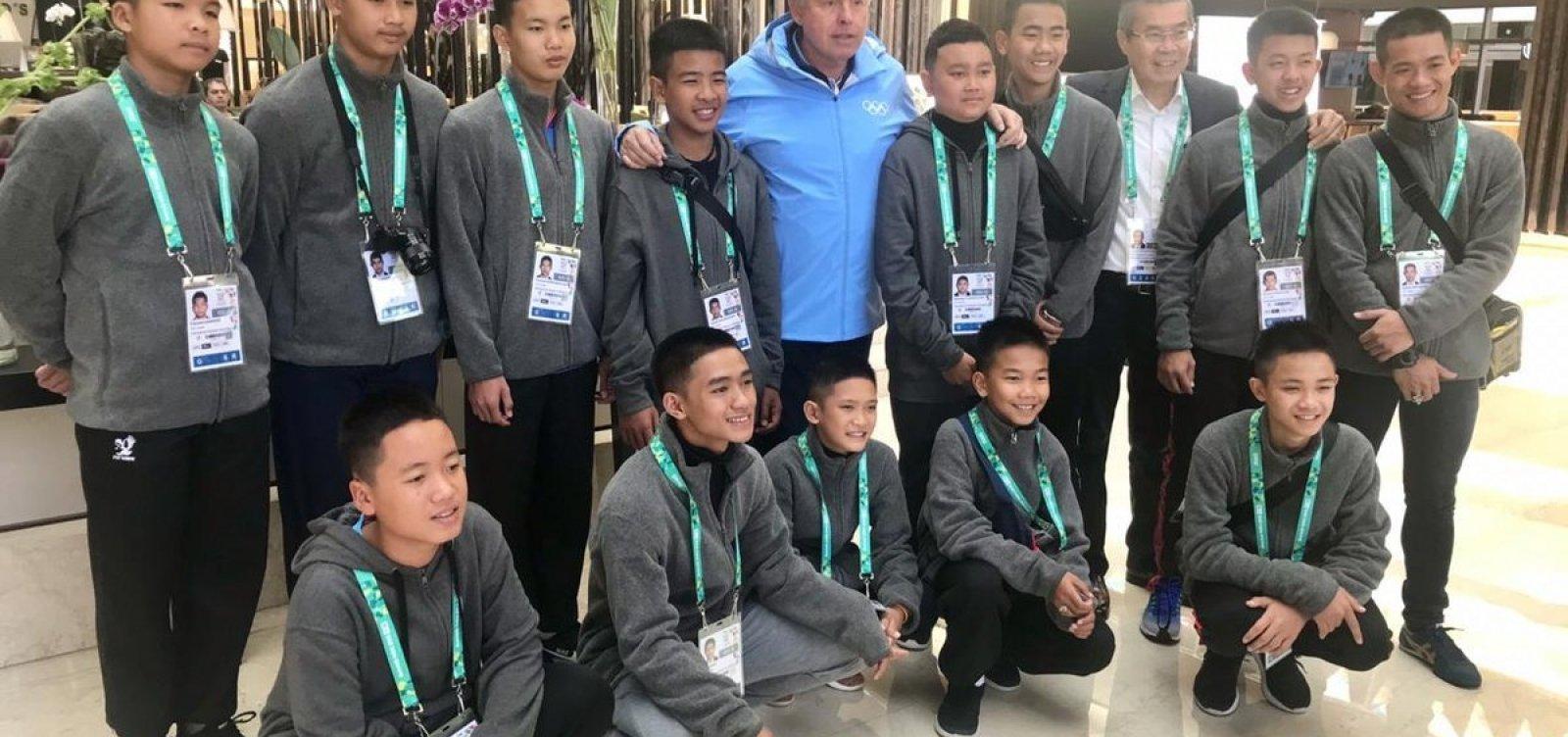 Garotos do Javalis Selvagens chegam à Argentina para assistir os Jogos da Juventude
