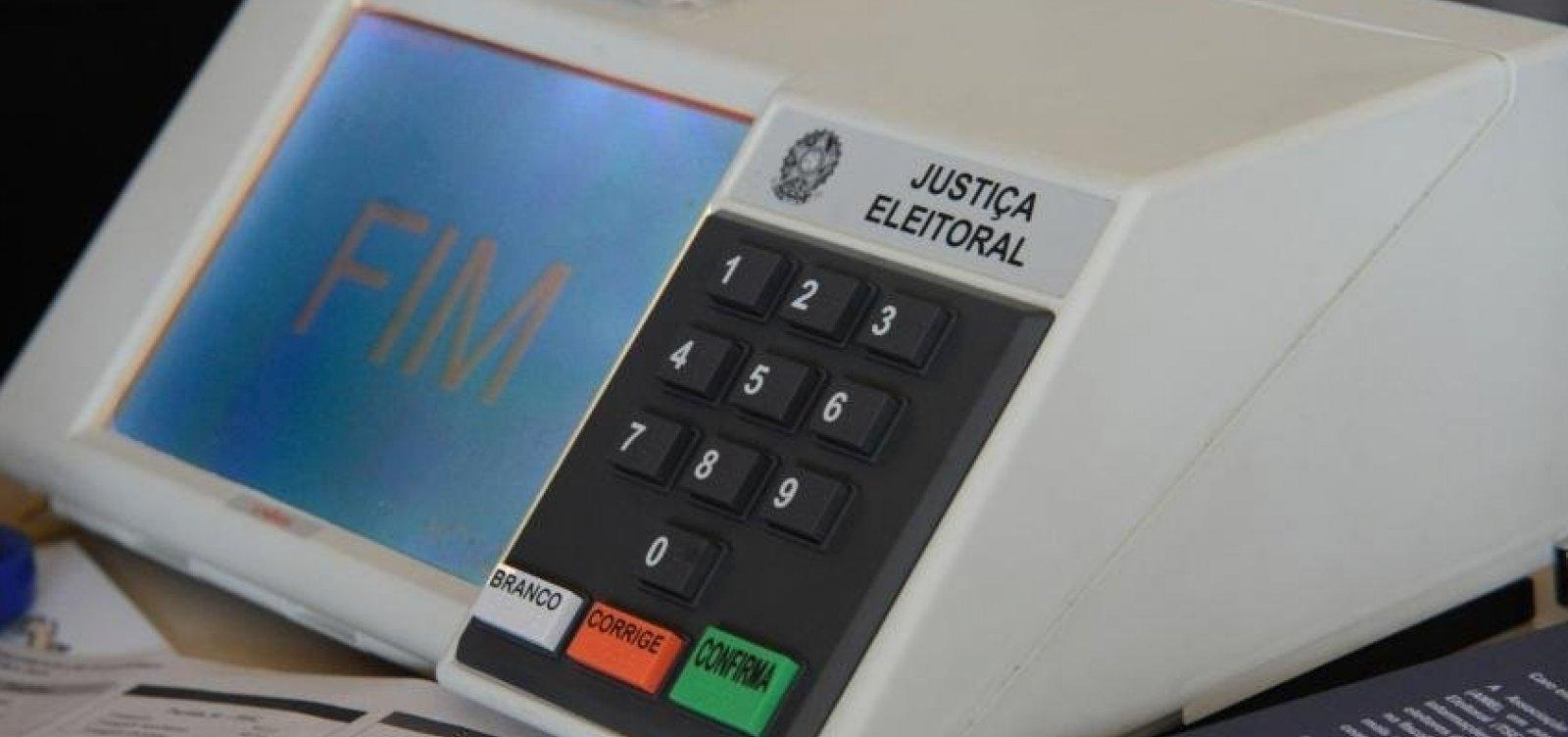 Mesária é presa após divulgar boato sobre suposta fraude em urna