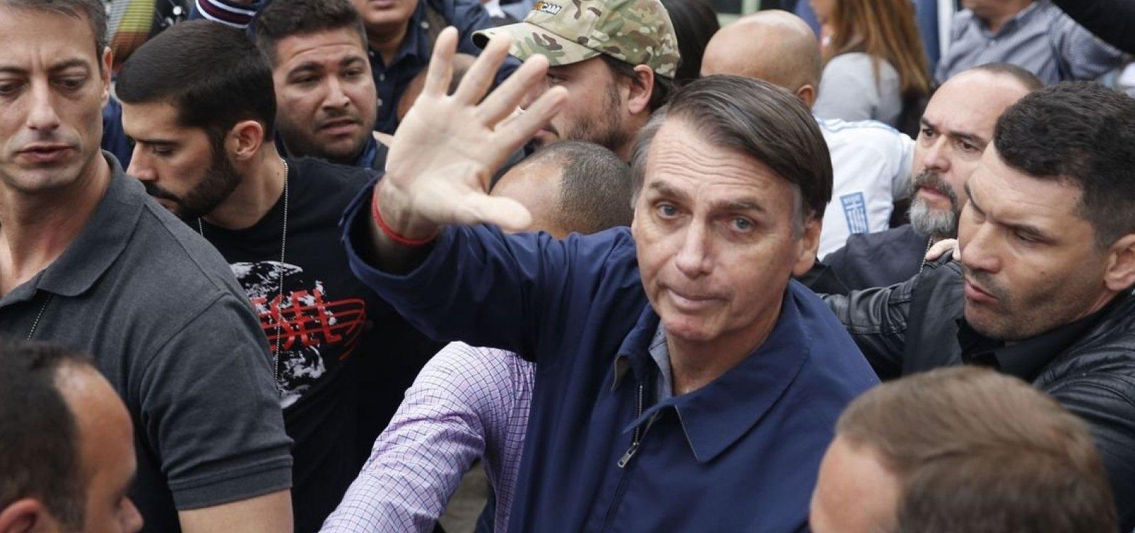 Bolsonaro comemora resultado e diz que o país não pode 'dar mais um passo à esquerda'