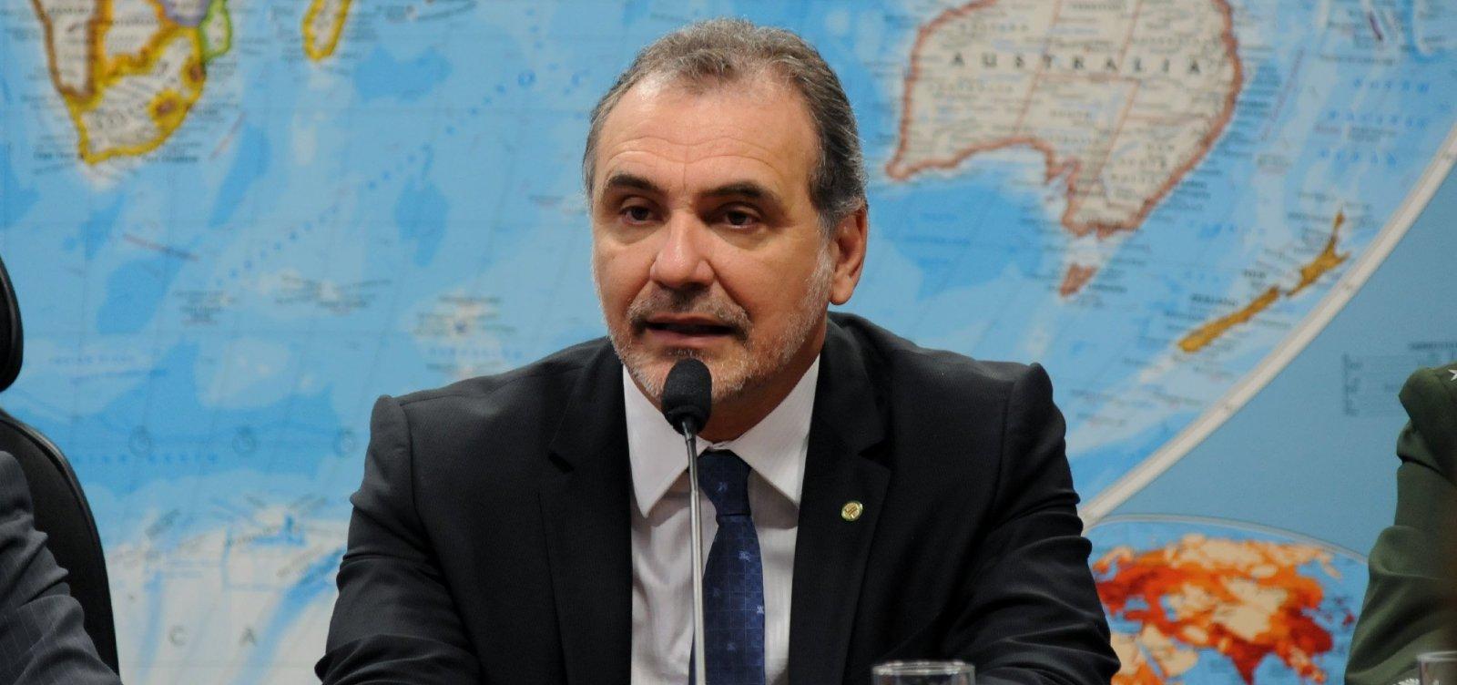 Reeleito, Pelegrino mira prefeitura de Salvador: 'Já comecei a conversar com o governador'