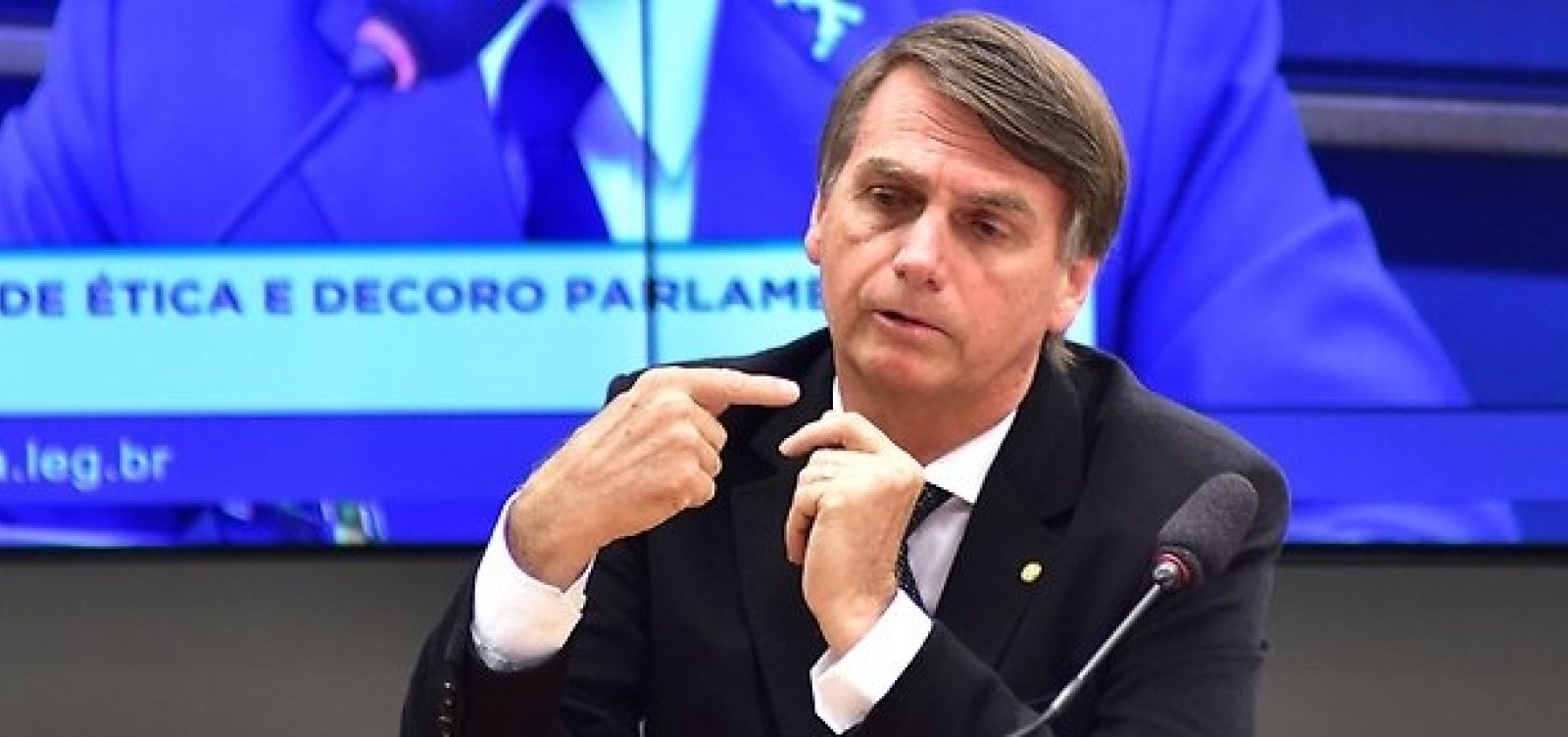 Bolsonaro pretende participar de debates para se consolidar como candidato antipetista