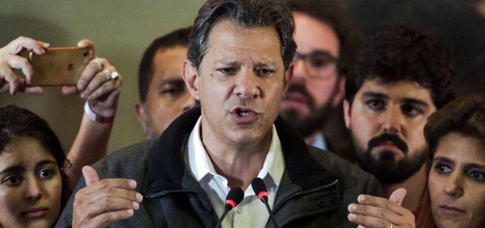 Após visitar Lula, Haddad se esquiva de pergunta sobre ex-presidente