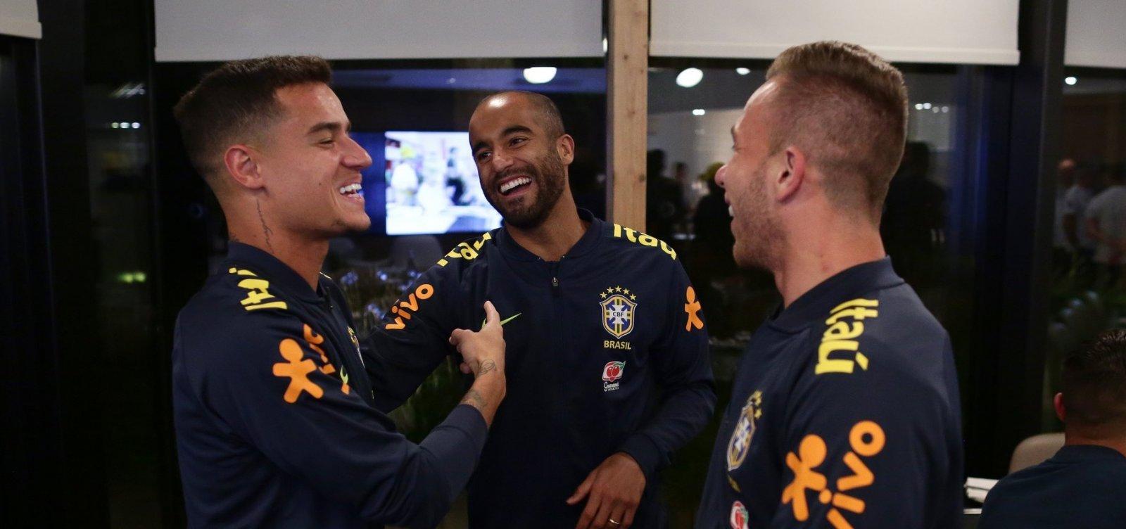 Tite convoca Lucas para o lugar de Everton na seleção