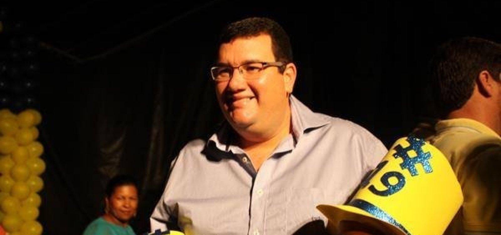 TCM denuncia ex-prefeito de Esplanada por contratação irregular de escritório de advocacia