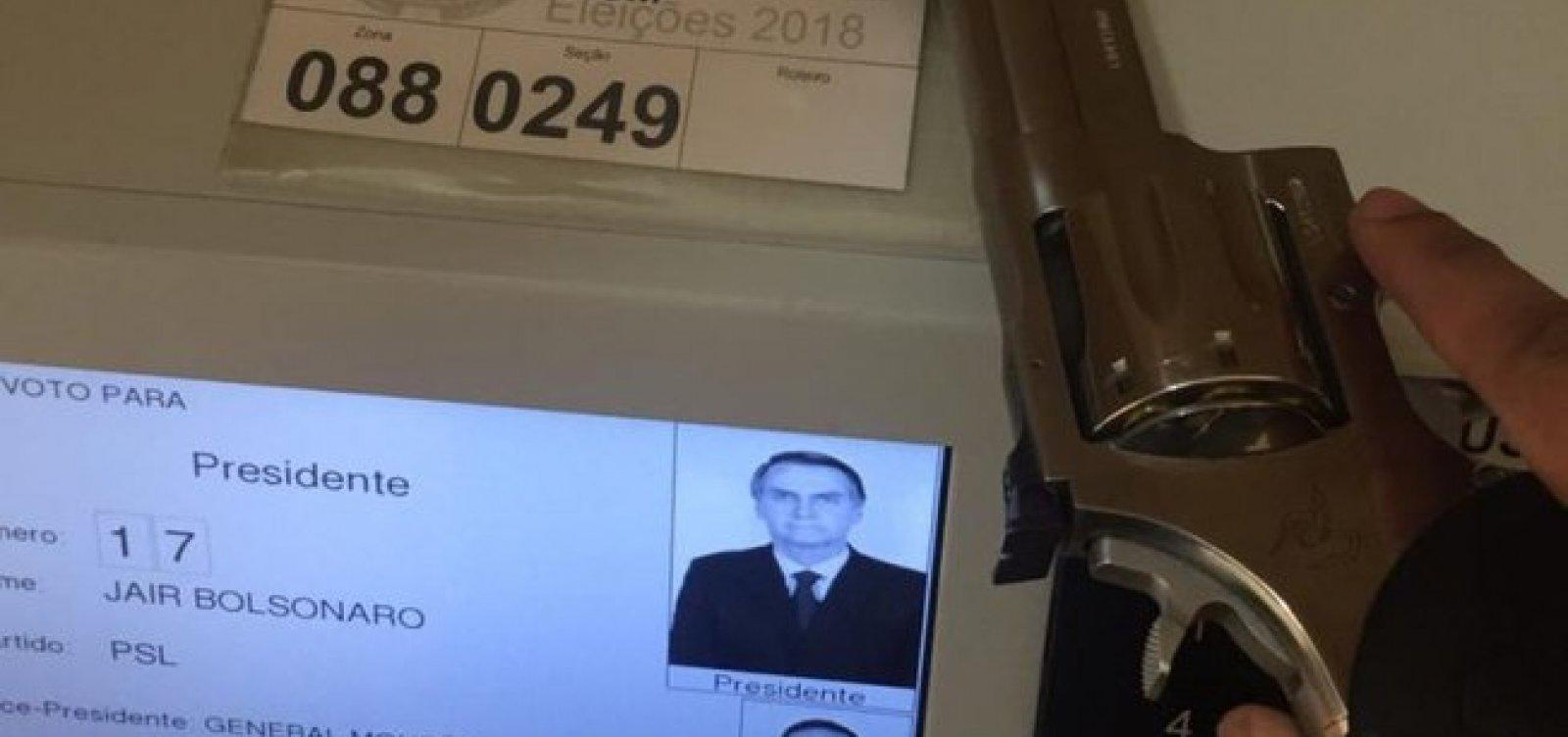 PF investiga eleitor que usou arma para votar em Bolsonaro