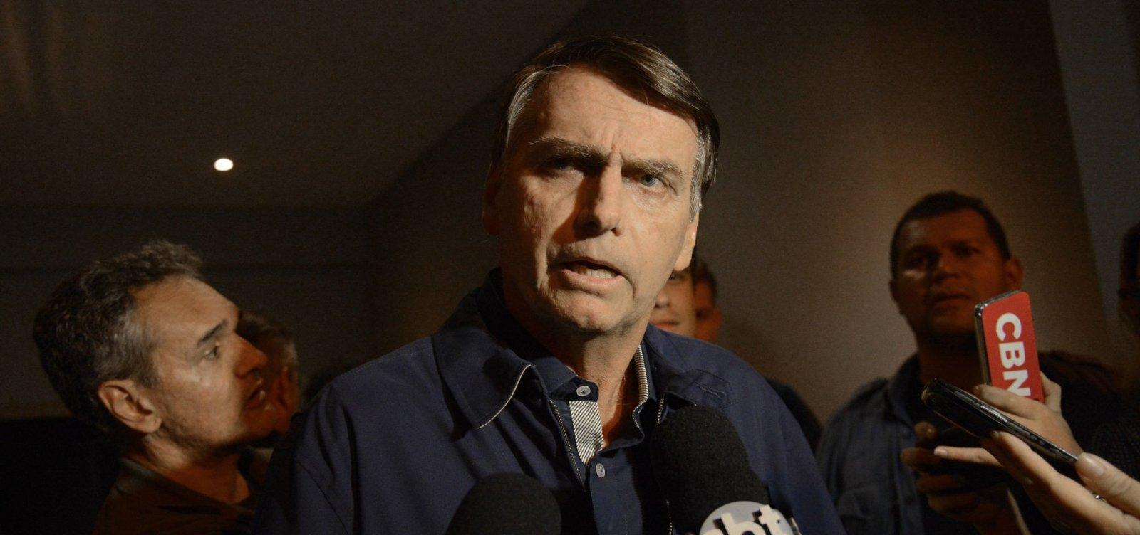 Médicos vetam presença de Bolsonaro em debate no segundo turno