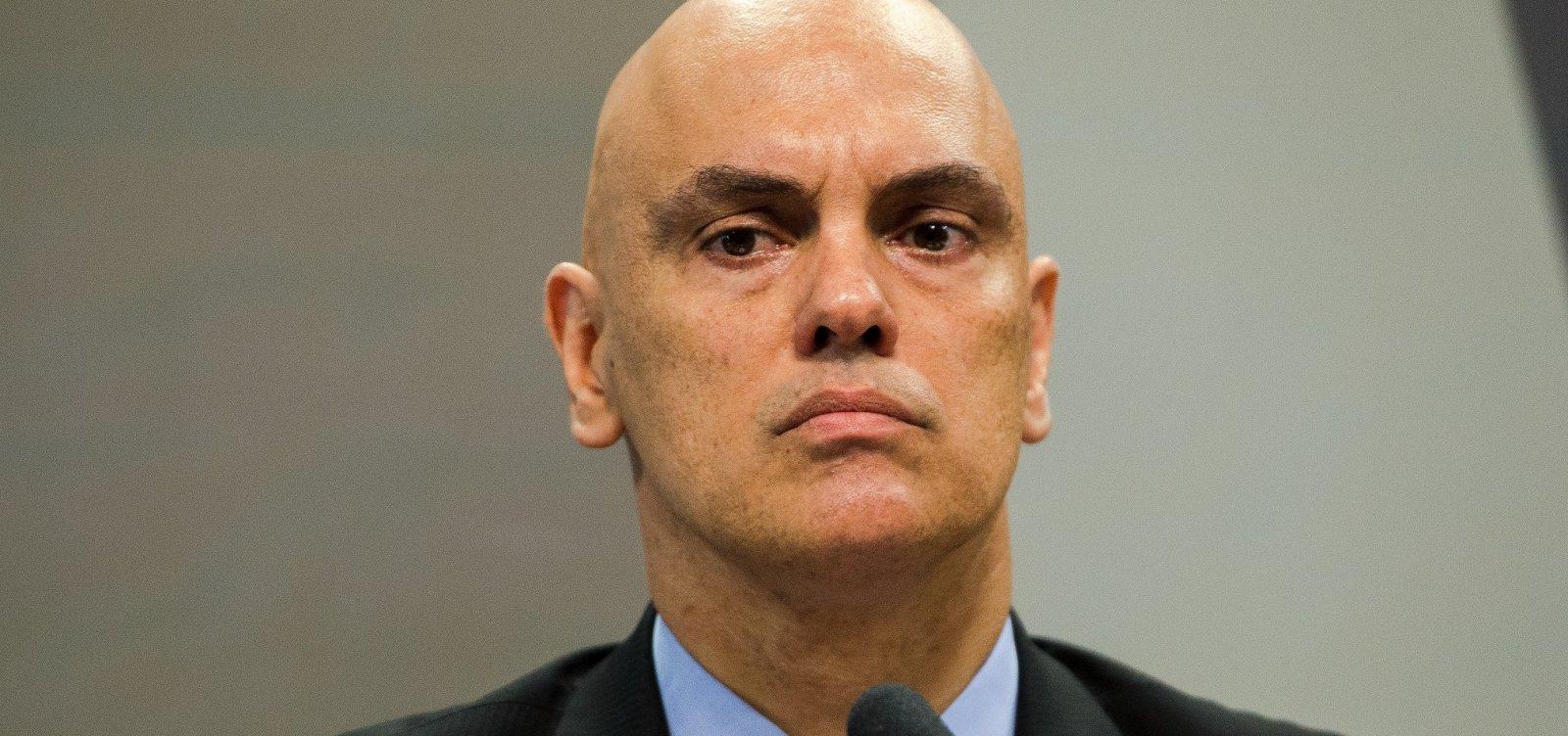 Não tem como controlar fake news espalhadas no WhatsApp, diz Moraes