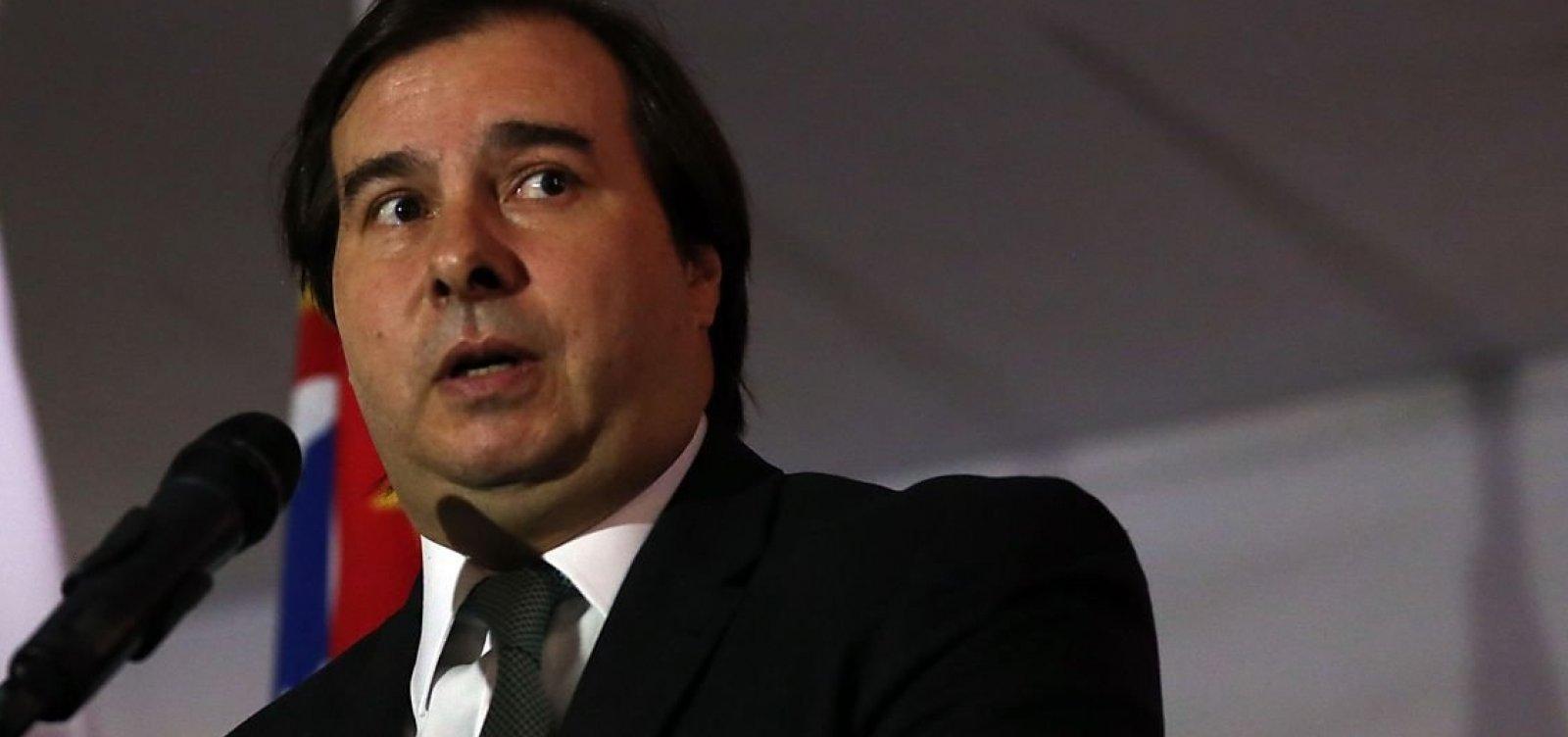 Contra Bolsonaro, deputados querem articular candidatura de Rodrigo Maia para a Câmara