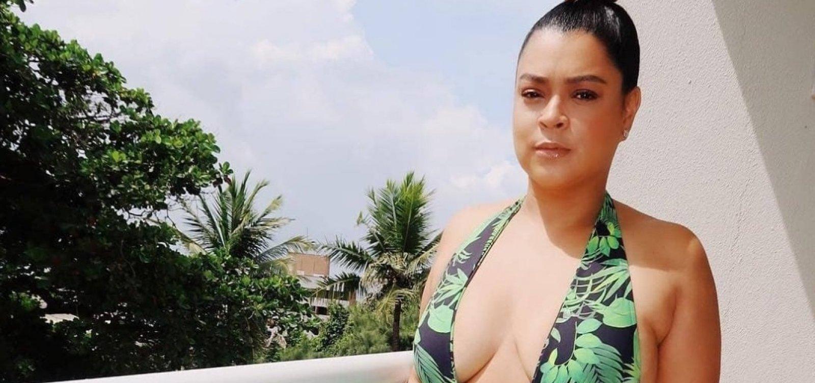 Preta Gil é ofendida no Instagram e rebate seguidor que a chamou de 'seios caídos': 'Que feio'