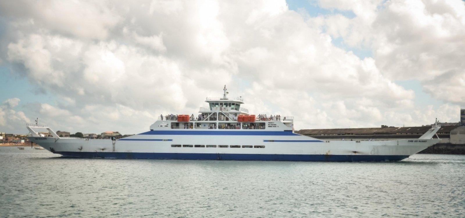 Ferry-boat funciona com horários extras e de madrugada durante feriado