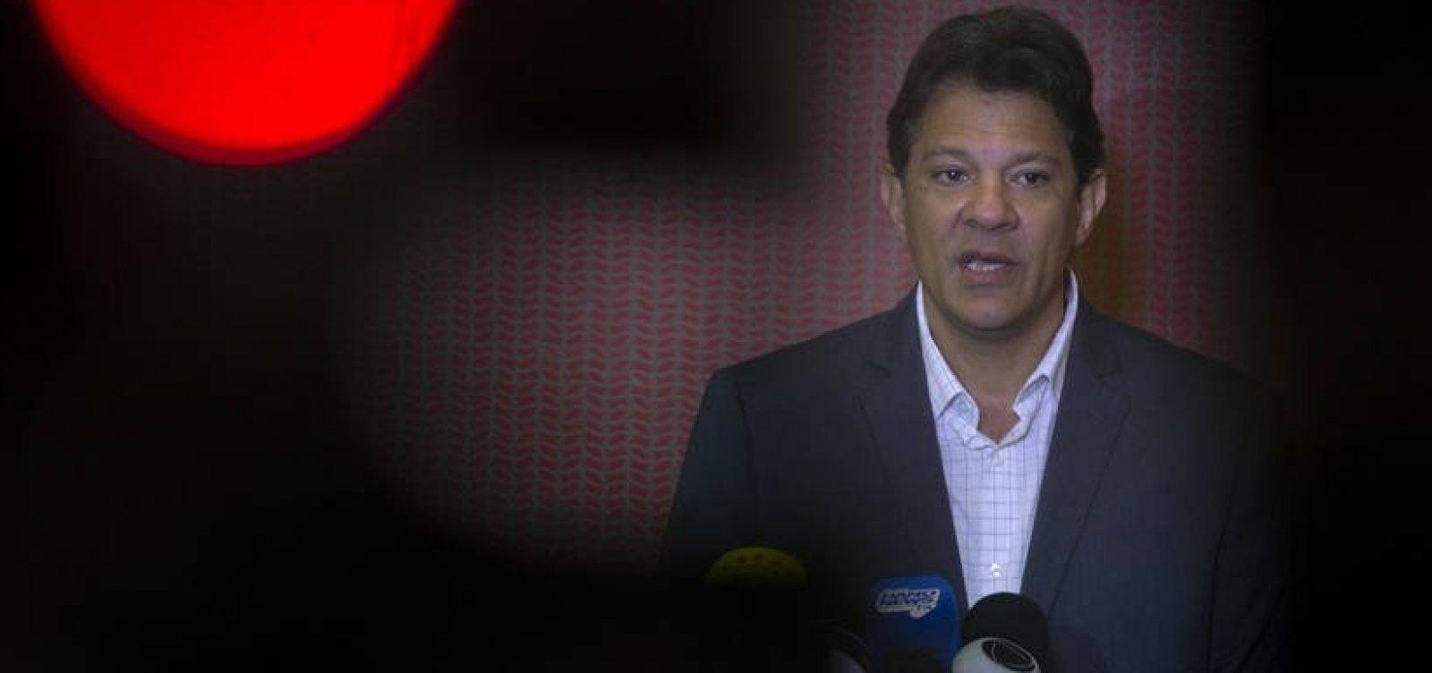 Haddad acusa Bolsonaro de abraçar a cultura da violência e do nazismo