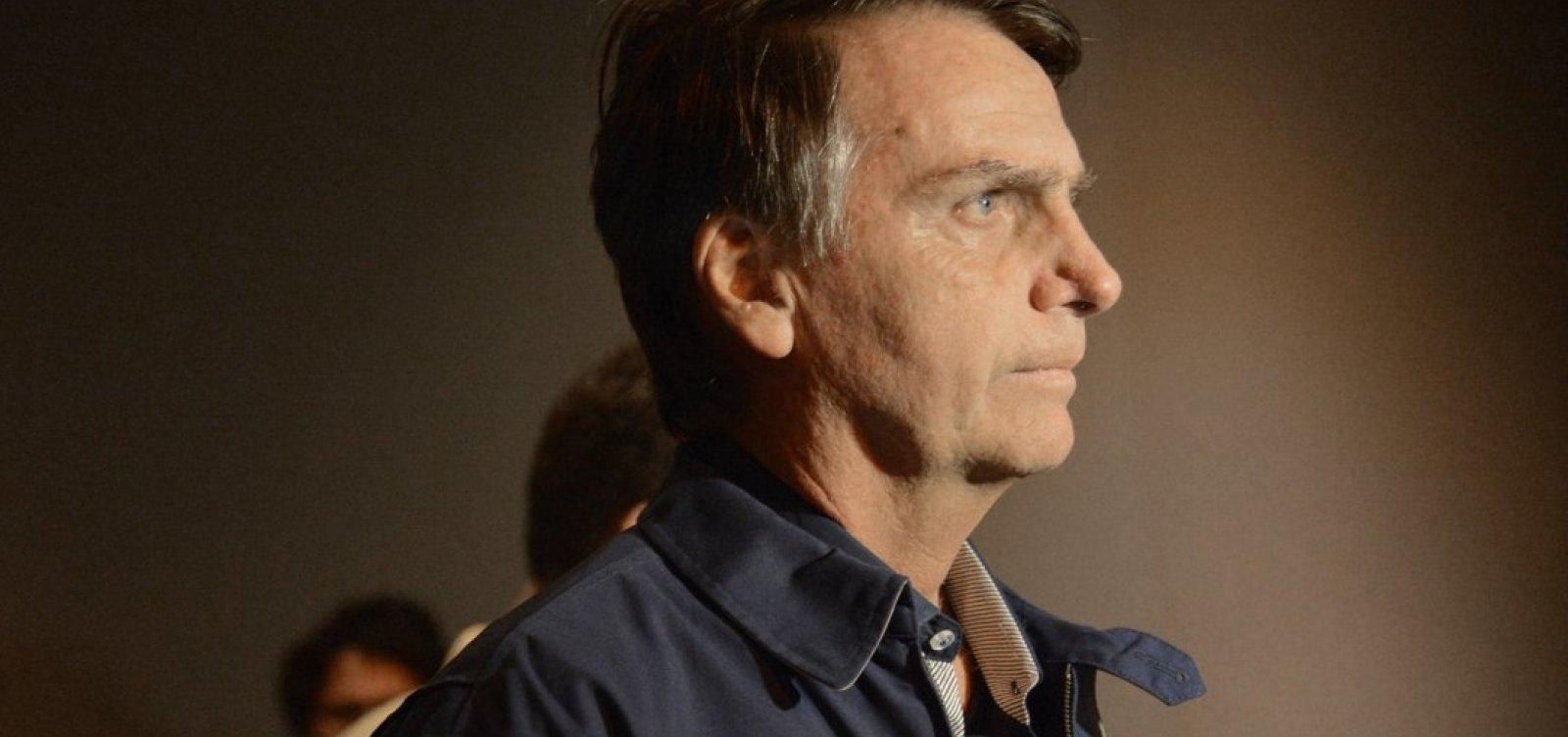 Bolsonaro fará pesadas críticas a Haddad em propaganda de rádio, diz coluna