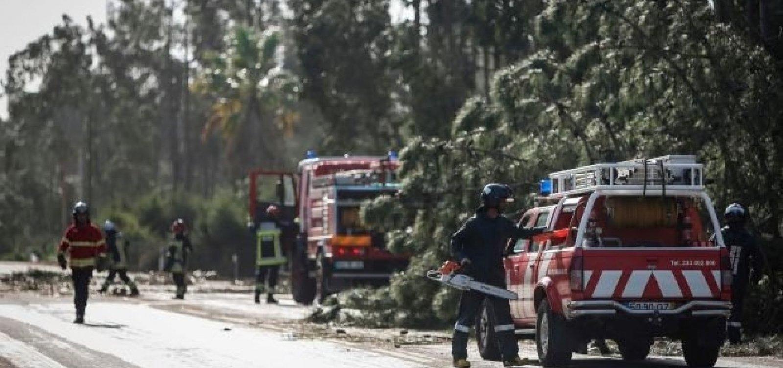 Com ventos de 176 km/h, tempestade Leslie atinge Portugal