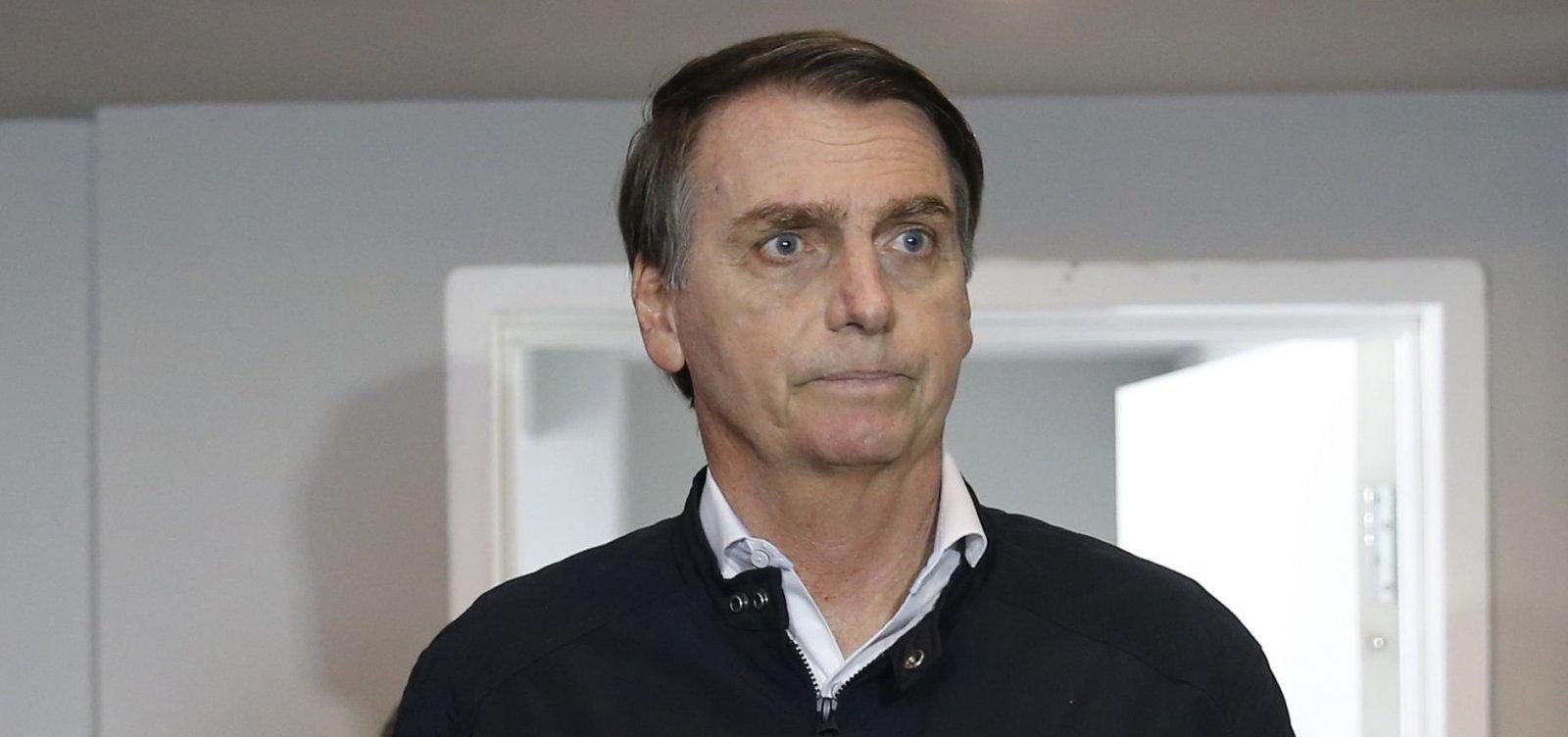 Bolsonaro diz que vai resgatar o respeito aos professores