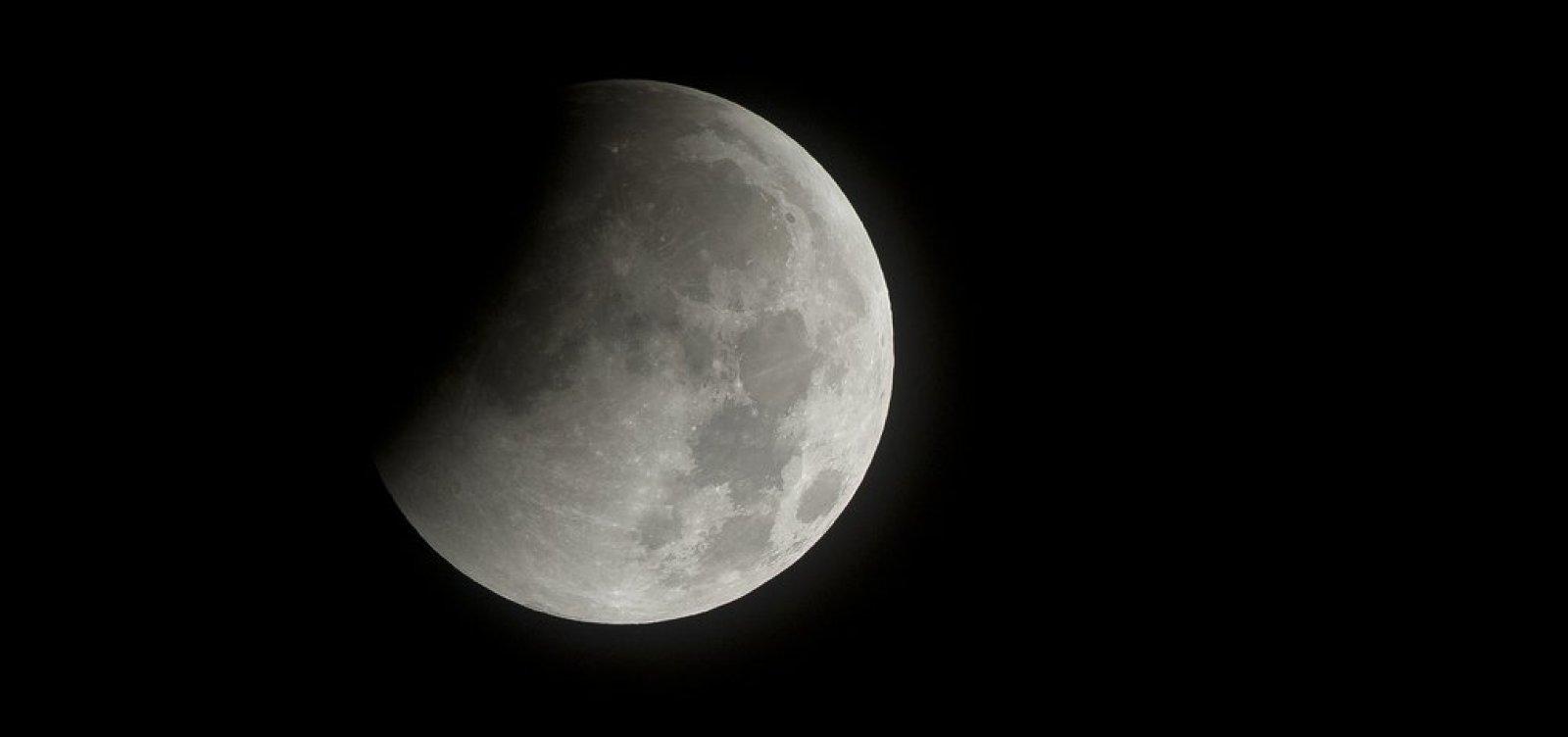 China pretende enviar 'lua artificial' ao espaço