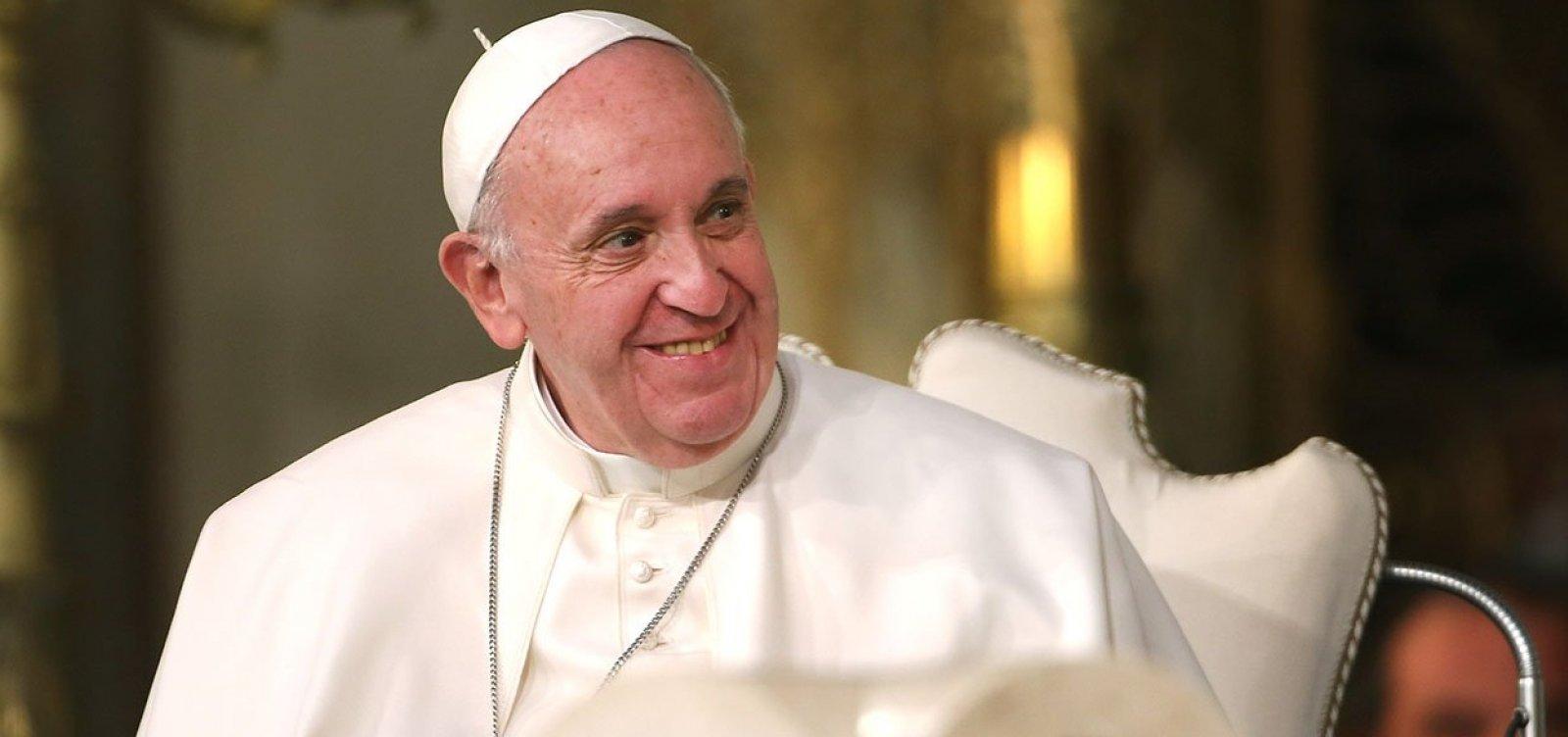 Moon entrega carta de Kim Jong-un ao papa Francisco