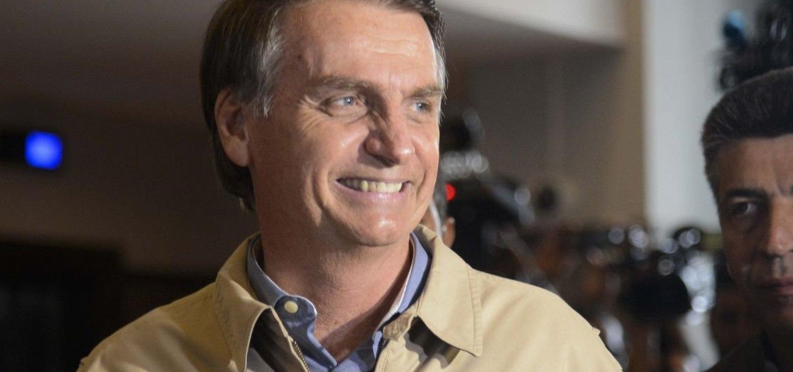 Bolsonaro diz que não controla ação de empresas no WhatsApp