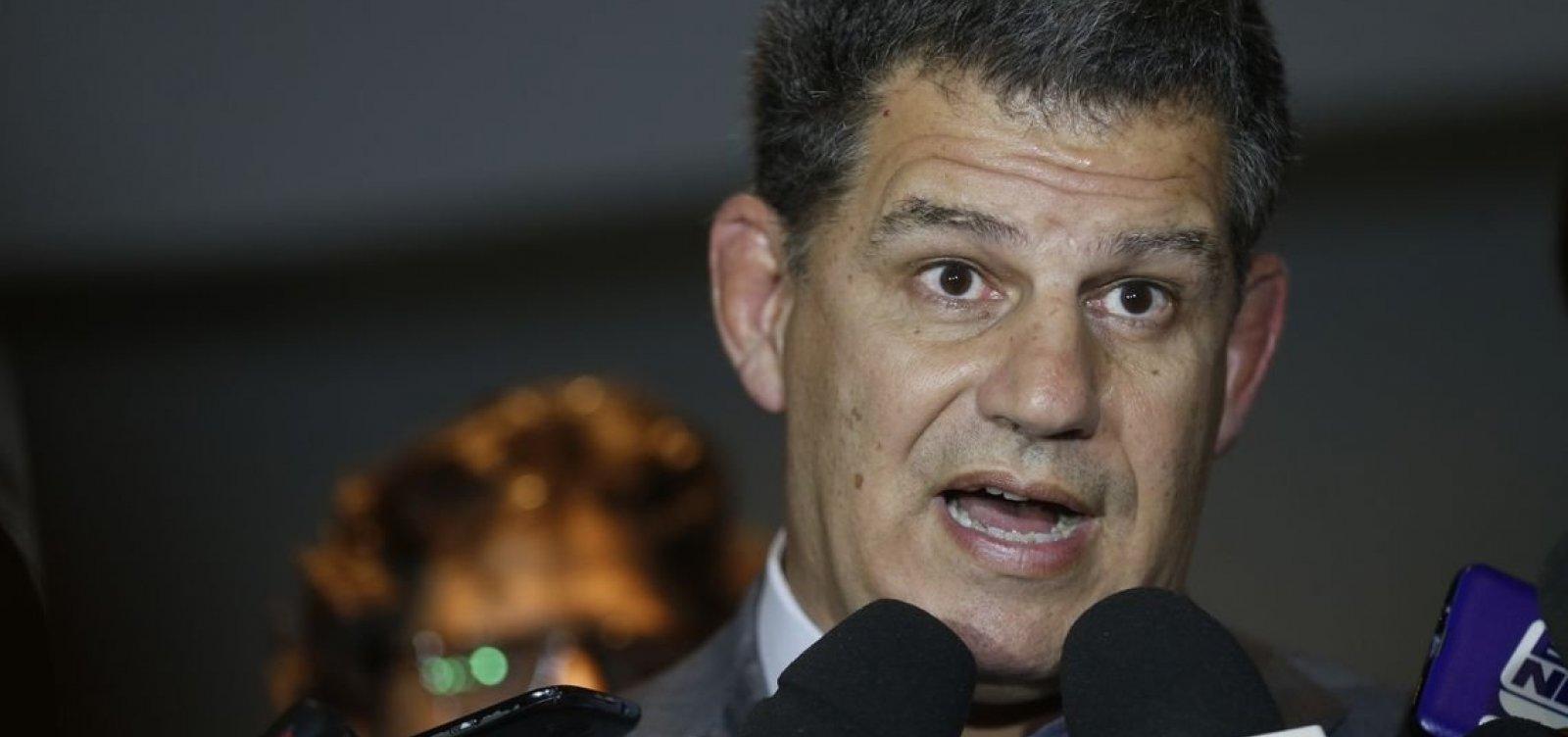 Presidente do PSL diz que Bolsonaro não vai participar de debates