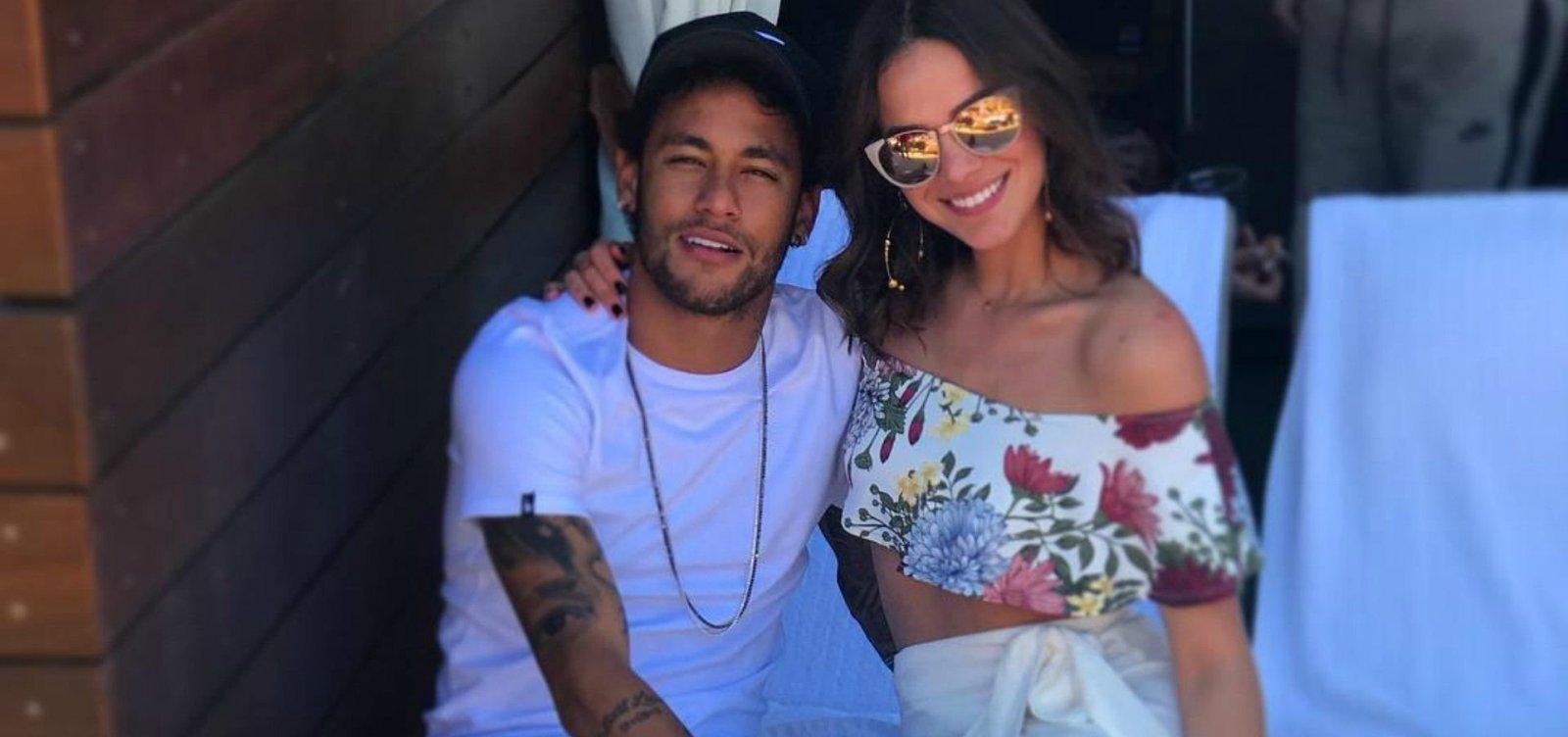 Após rumores, Bruna Marquezine confirma término com Neymar