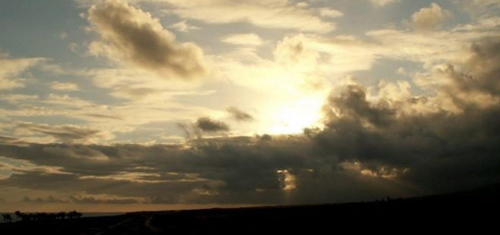 Fim de semana de sol entre nuvens em Salvador