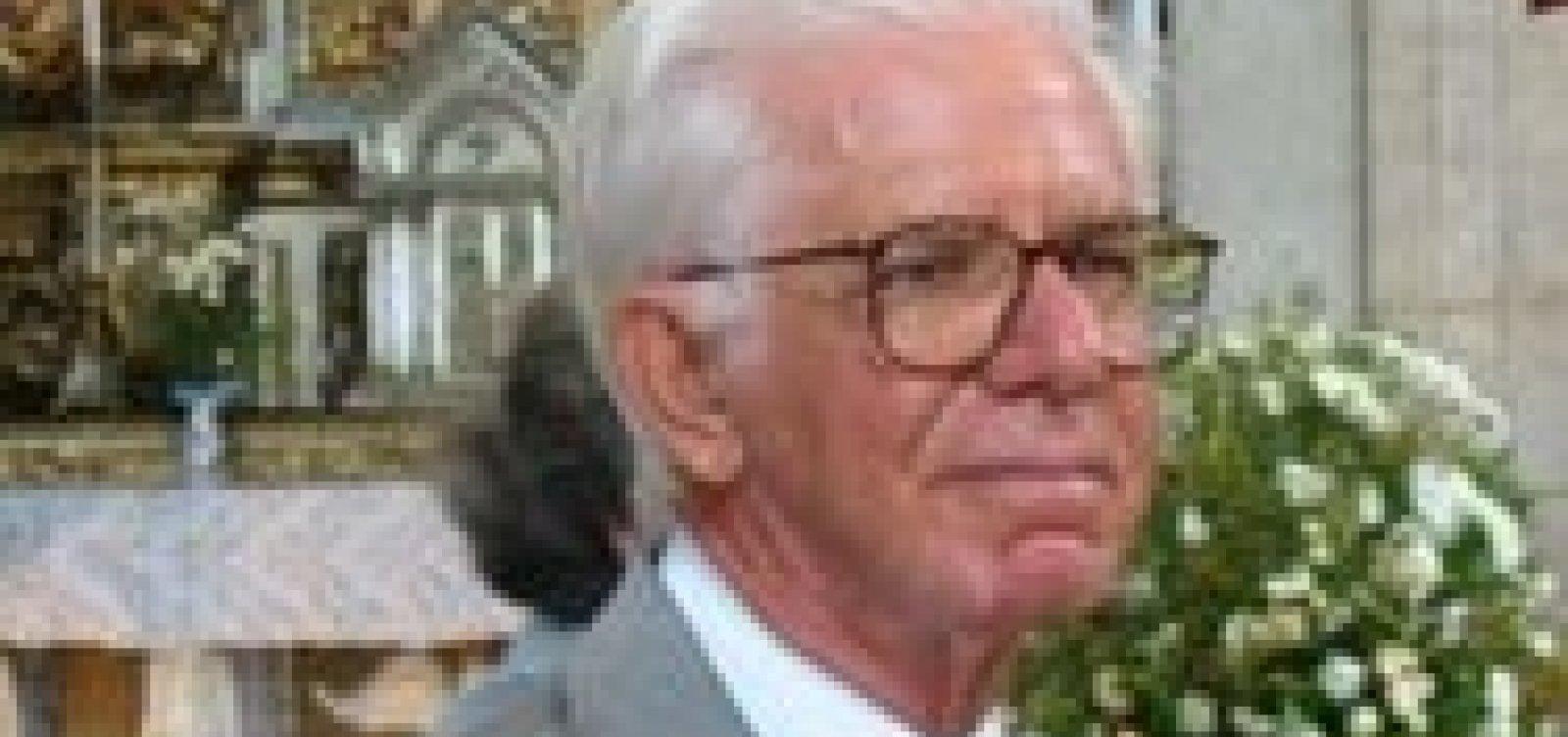 Médico infectologista Rodolfo Teixeira morre aos 89 anos