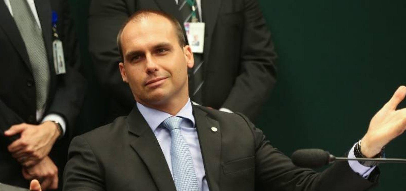 Filho de Bolsonaro diz que para fechar STF 'basta um soldado e um cabo'; veja vídeo