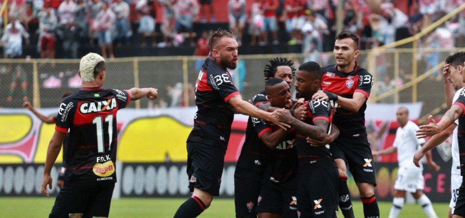 Vitória sai na frente, mas empata com Corinthians e fica perto do Z4