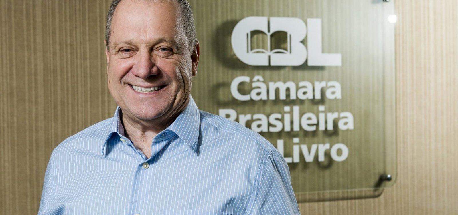 Falta de leitura favorece notícias falsas, segundo presidente da CBL