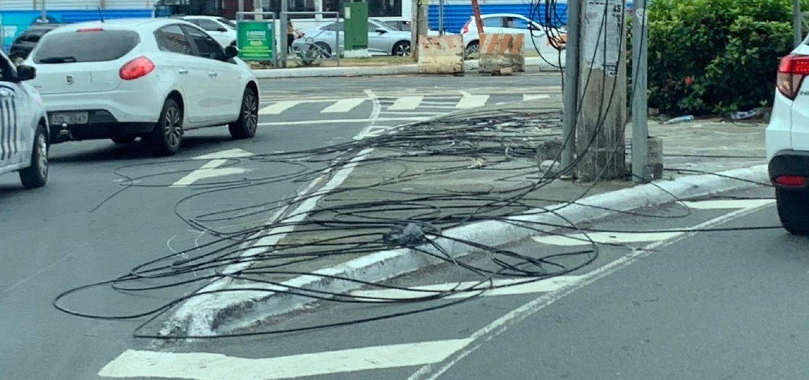 'Oi' faz bagunça na Avenida Paulo VI com troca de fios