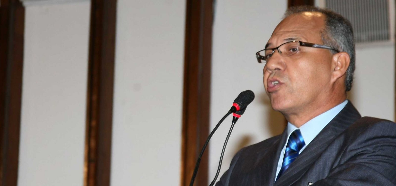 Nos braços de Rui, Geilson já votará com governo na AL-BA