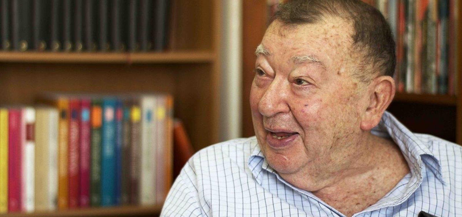 Morre aos 97 anos Jacó Guinsburg, fundador da editora Perspectiva