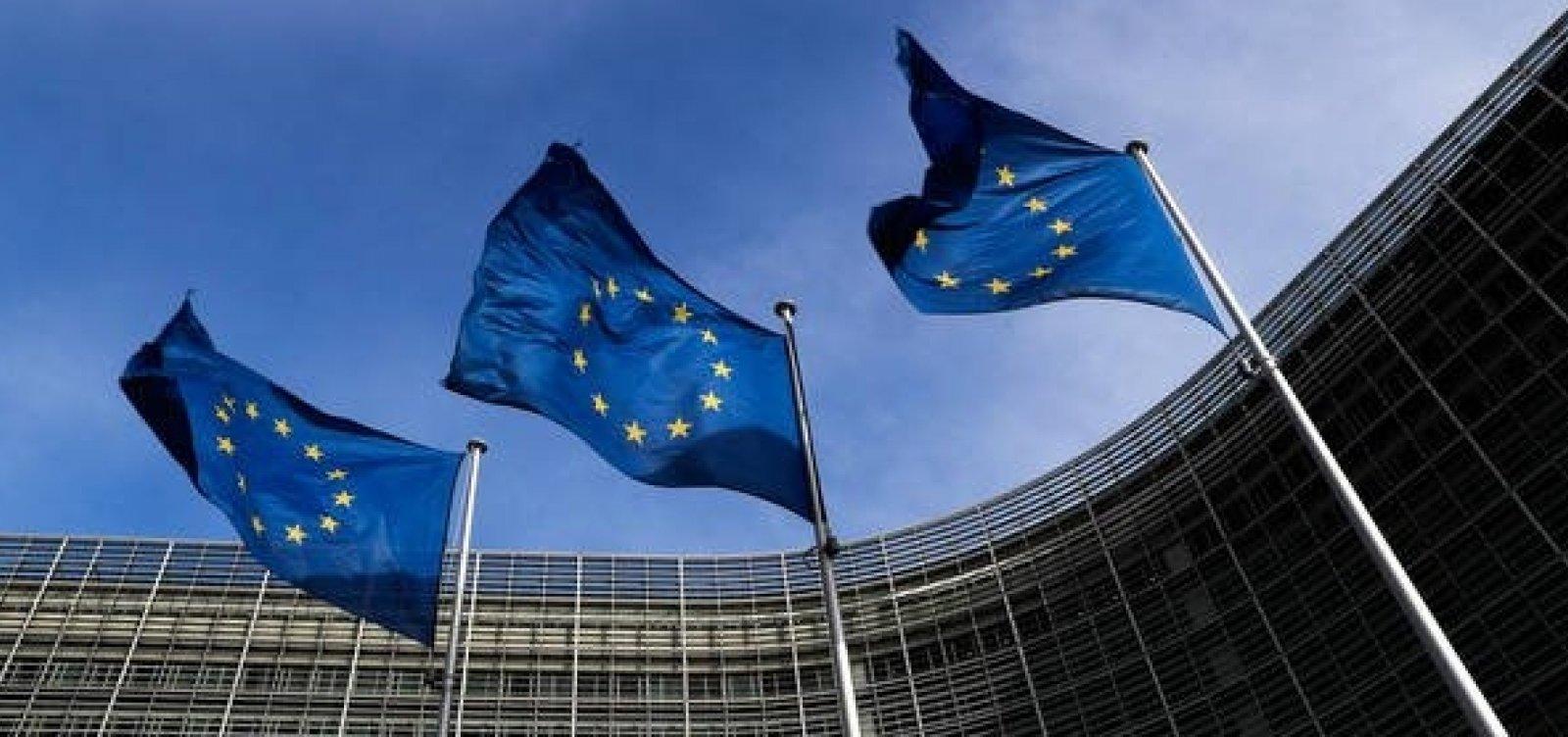 União Europeia deve decidir como proceder com orçamento italiano amanhã