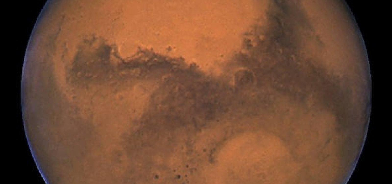 Oxigênio em Marte pode sustentar vida de micróbios e esponjas, diz Nasa