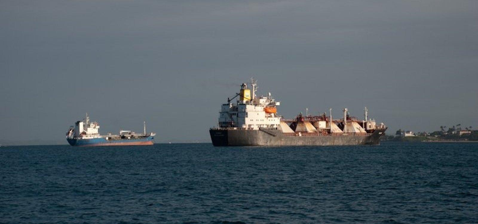 Travessia Salvador-Mar Grande segue suspensa pelo terceiro dia