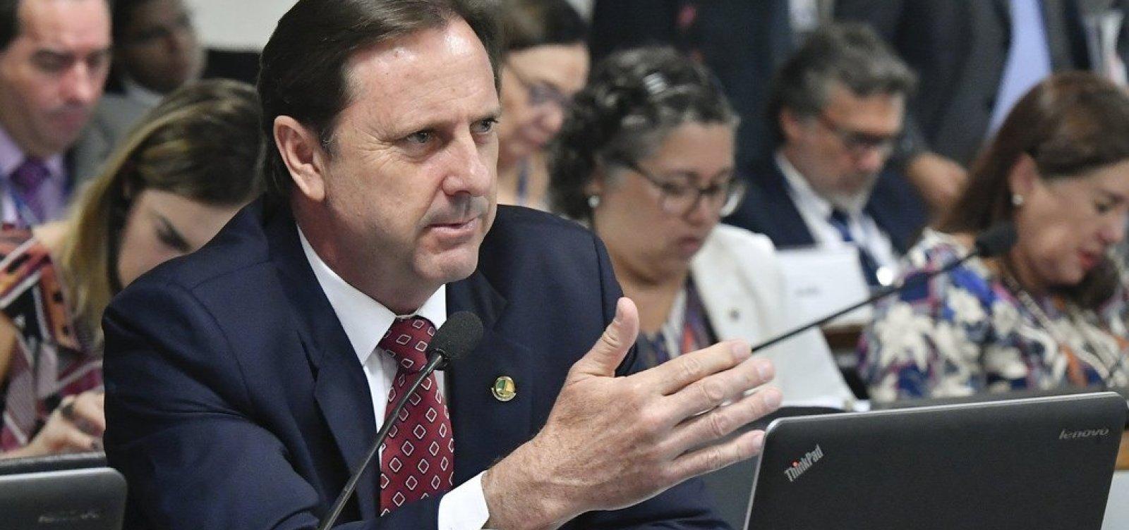 STF autoriza senador preso a trabalhar no Congresso durante o dia