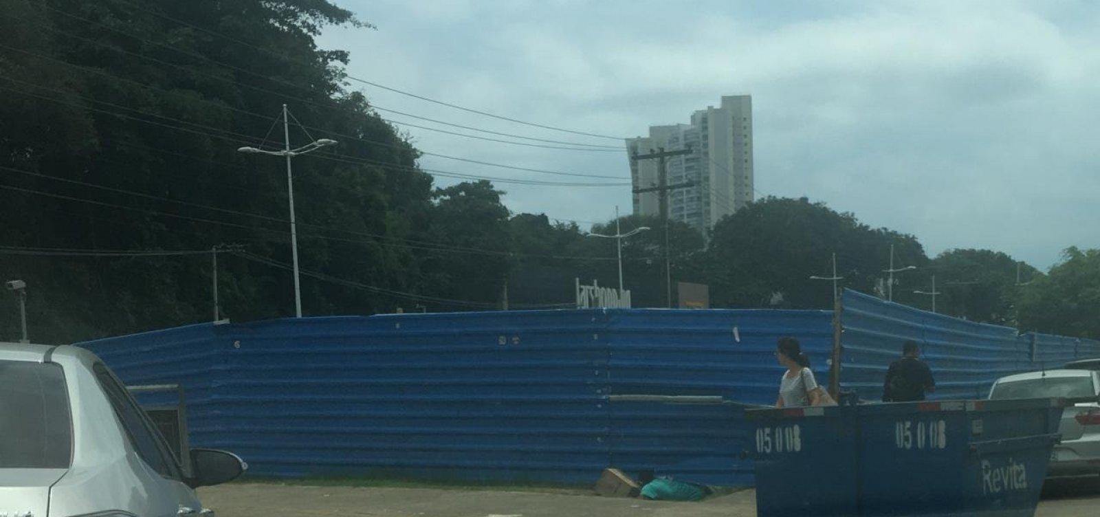 Você Repórter: homem aparenta morar em canteiro do BRT